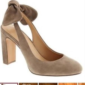 Taupe suede slingback heel with bow
